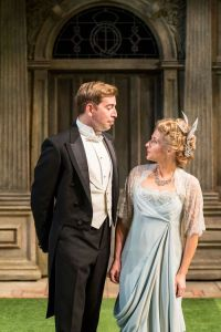 edward-bennett-and-lisa-dillon-in-rsc-chichester-festival-theatres-production-of-loves-labours-lost-photo-by-manuel-harlan